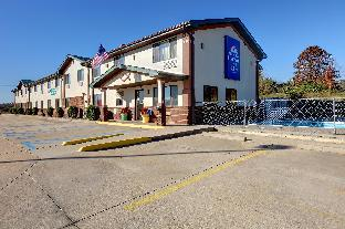 Americas Best Value Inn & Suites - Cassville, MO