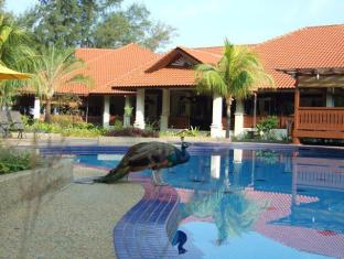 Sibu Island Resort Mersing - Swimming Pool