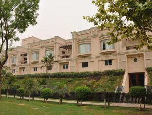 The Uppal - An Ecotel Hotel New Delhi and NCR - Hotel Exterior