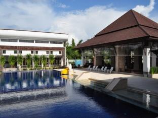 Naraya Riverside Resort Suratthani - Swimming Pool