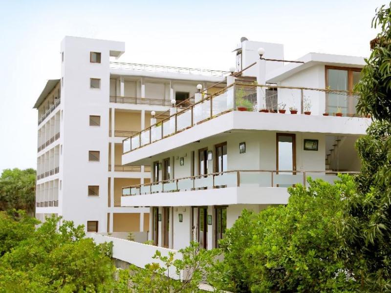 Purple Hotels Resorts Cuisine - Pondicherry