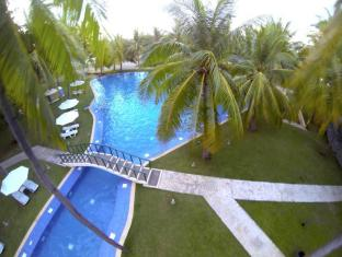 Cordova Reef Village Resort Cebu City - Pool
