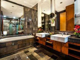 Kuta Seaview Boutique Resort & Spa Bali - Bathroom