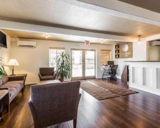 Interior Comfort Inn Bishop