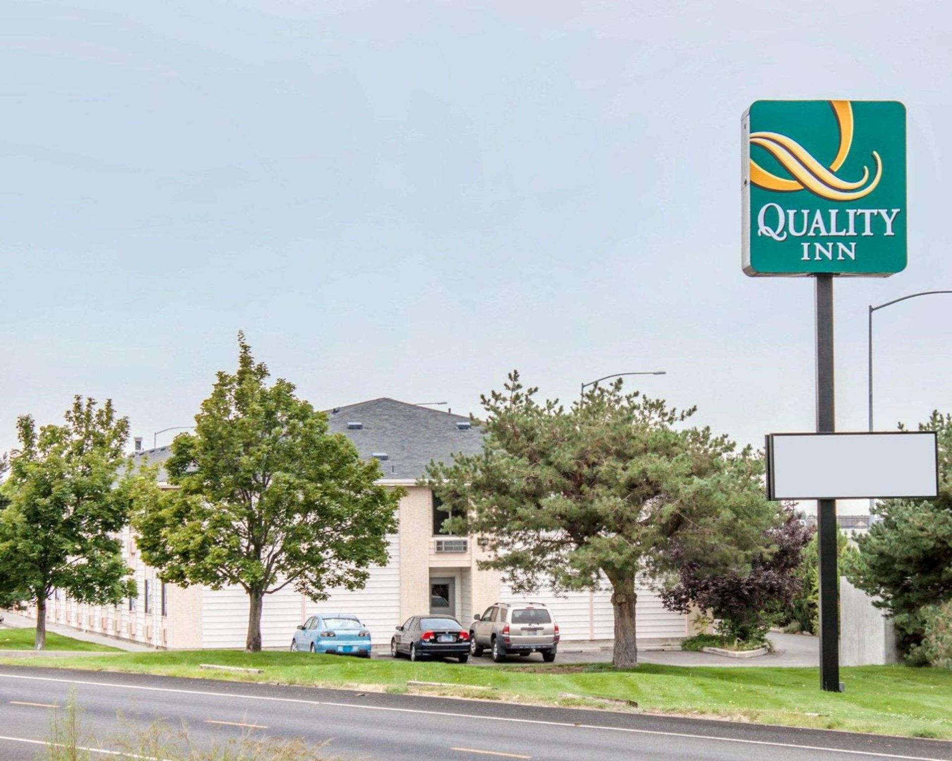 Quality Inn Airport image