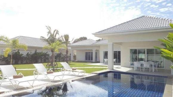 Hua Hin pool villa with 4 bedrooms L50