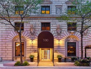 view of Tremont Hotel by SB at Chicago Magnificent Mile