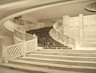 The Taj Mahal Hotel New Delhi and NCR - The Grand Staircase