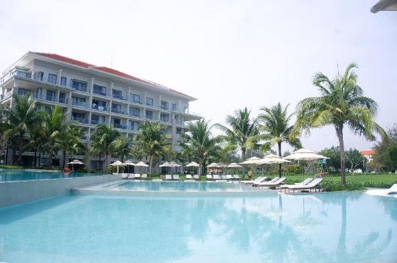 Sunshine Suites 5*Resort/Pool view/Private beach