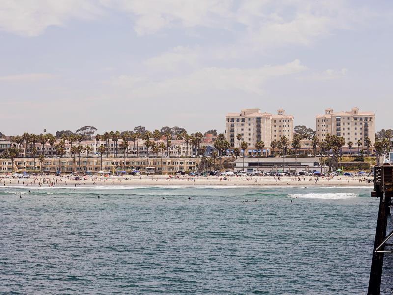 Oceanside Pier Resort