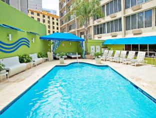 Holiday Inn Express San Juan Hotel San Juan - Swimming Pool