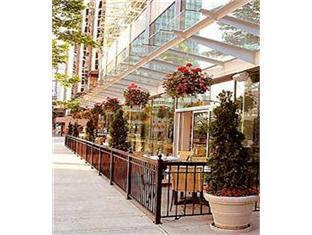 โรงแรมมาริออท พินนาเคิล แวนคูเวอร์ (BC) - ภัตตาคาร