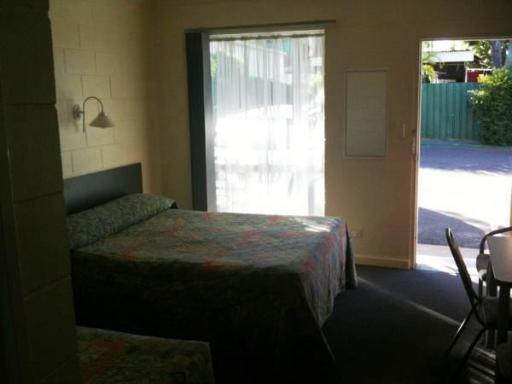 Central Point Motel hotel accepts paypal in Mount Isa