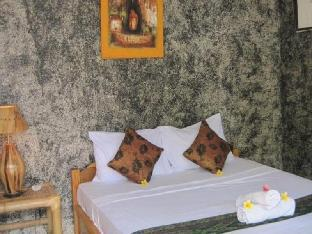 Coral Voice1 Homestay & Bar