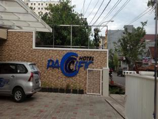Hotel Pacific picture