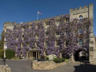 Promos Castle Hotel