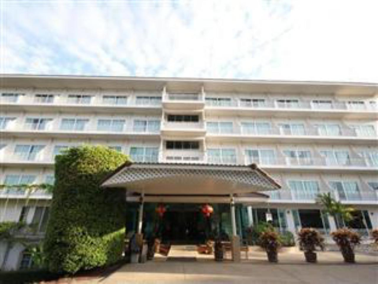 โรงแรมรัตนา วิว (Rattana View Hotel)