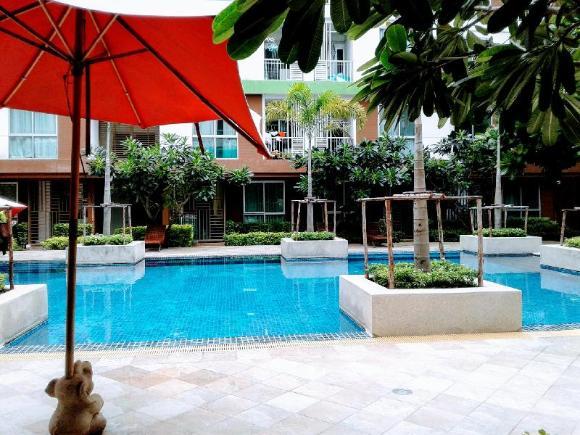Apartment  near pool family