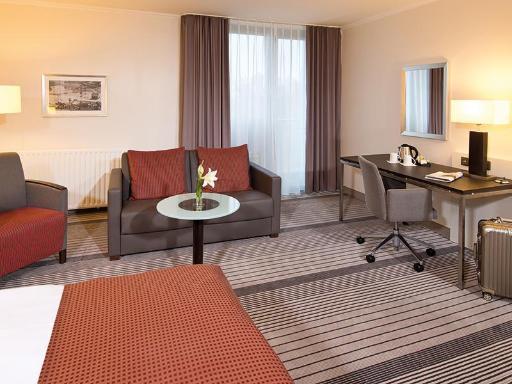 ➦  Leonardo Hotels    customer rating