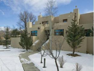 Hotel in ➦ Taos (NM) ➦ accepts PayPal