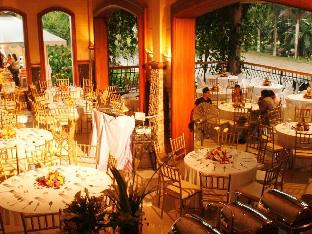 Villa Diana Hotel & Cafe