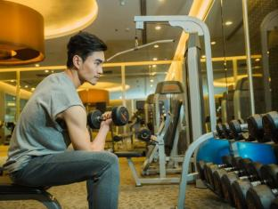 Mandarin Hotel Managed by Centre Point Bangkok - Fitness Room