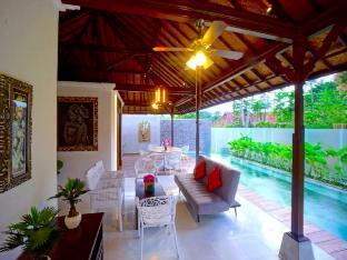 2BR LUXURY Villa w/ PRIVATE Pool in Ubud CENTER - ホテル情報/マップ/コメント/空室検索