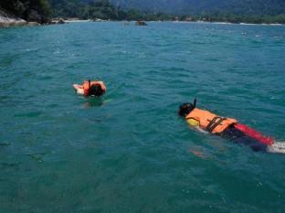 Swiss - Garden Beach Resort Damai Laut Pangkor - Snorkeling