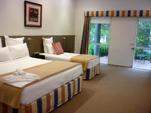 Best Western International Hotel in ➦ Mornington Peninsula ➦ accepts PayPal