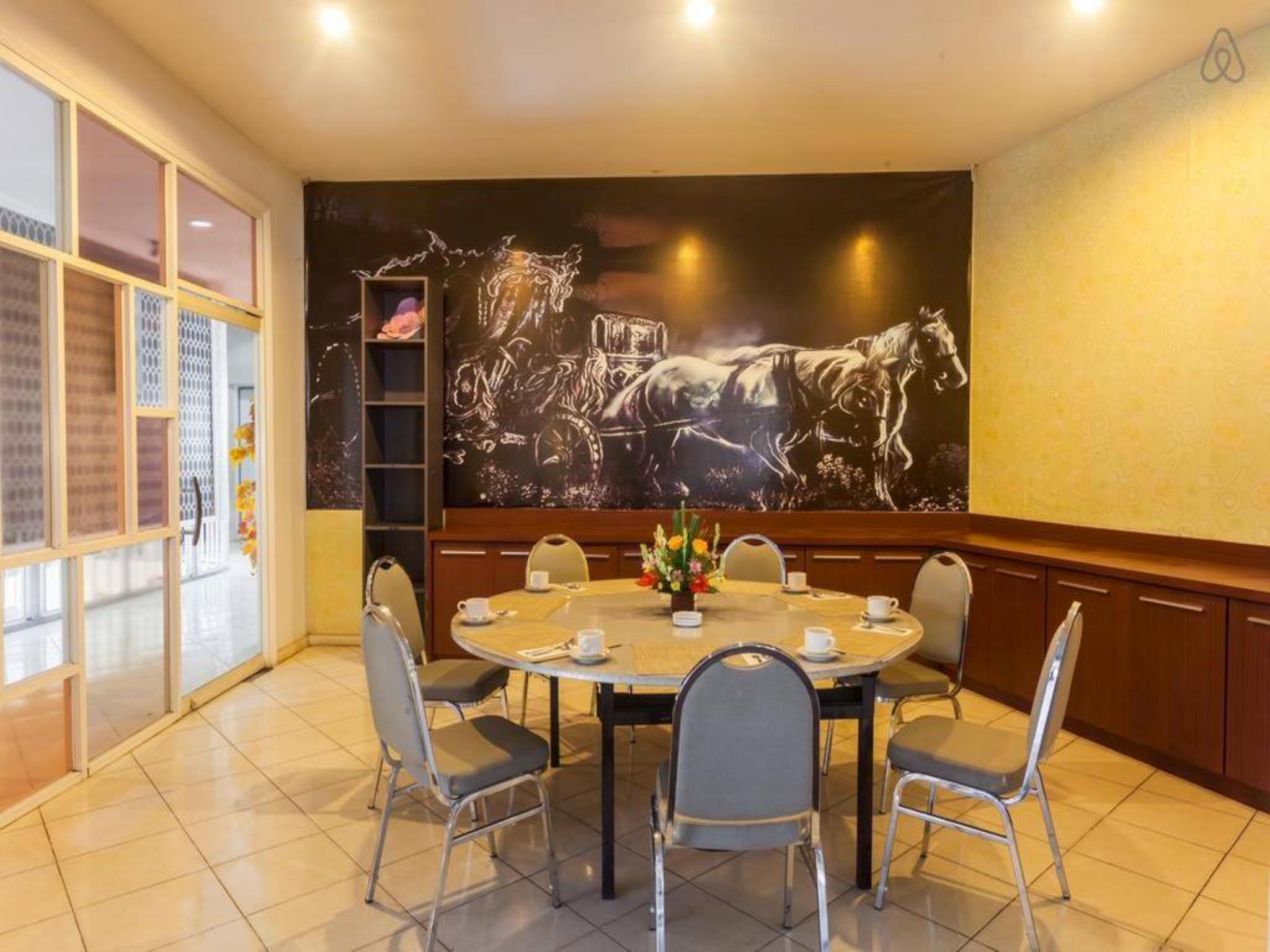 Best Room at Sunset Point Hotel Seminyak