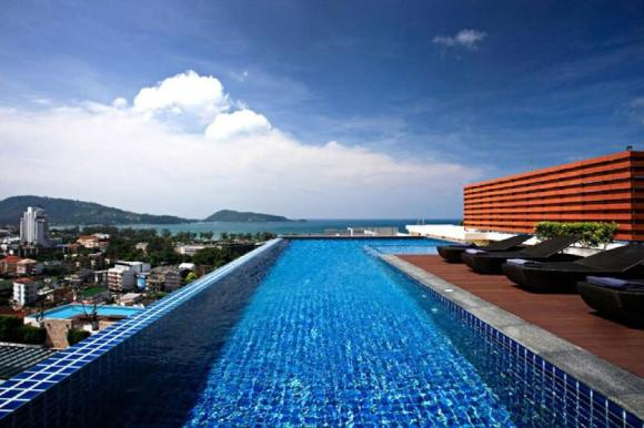 Studio Garden Access with Infinity Pool @Patong