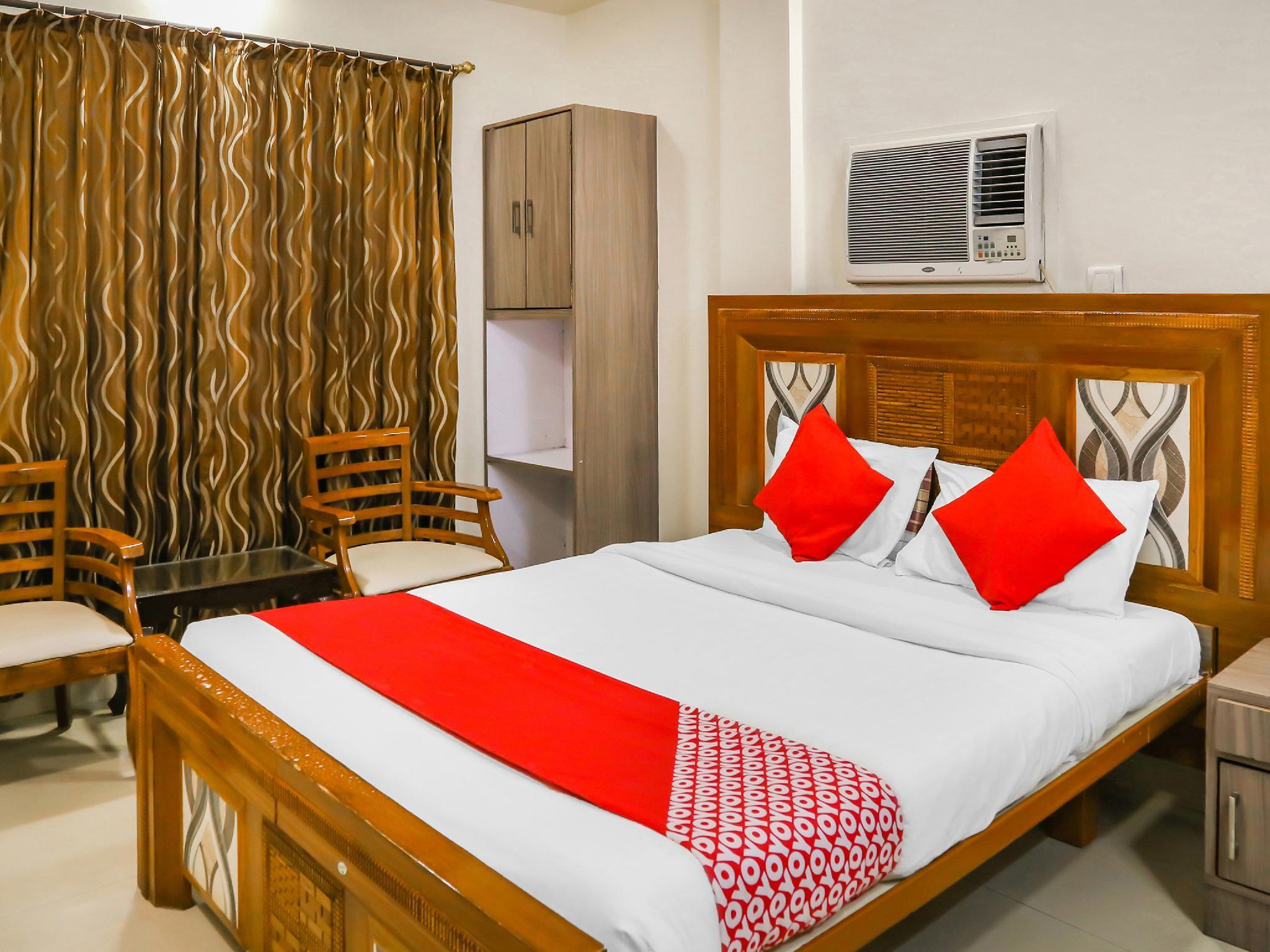 OYO 10678 Hotel Nandanvan Pune India
