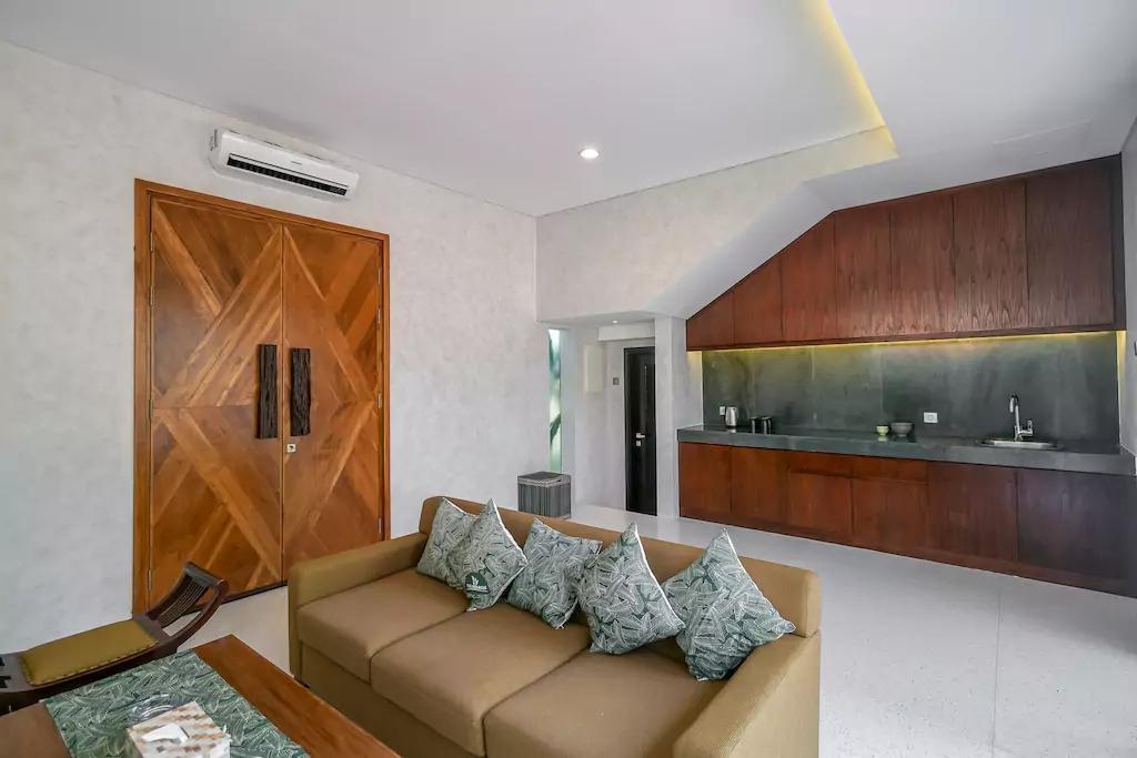 Family Group Villa Nusa Dua