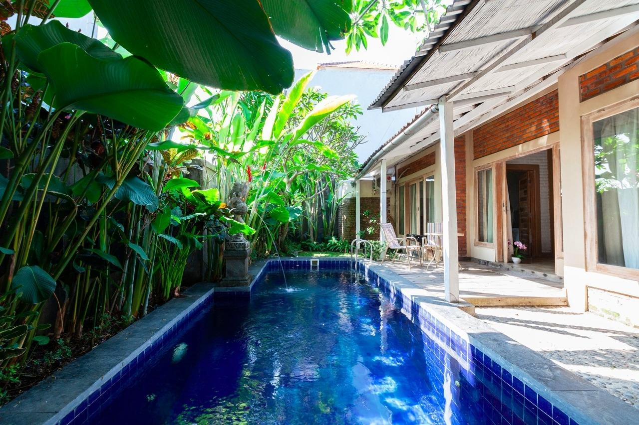 Emy 3 bedrooms with large pool villa Sanur