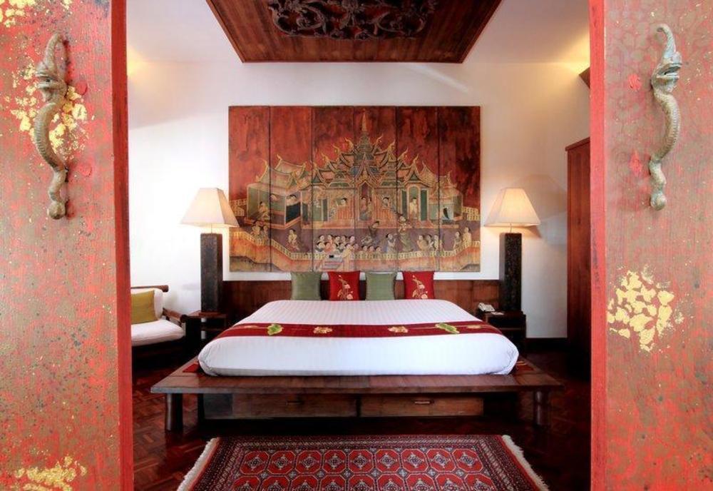 Mom Tris Villa Royale Hotel