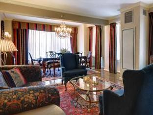 The Whitehall Hotel Chicago (IL) - Suite