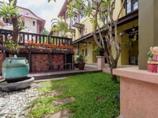 The Phulin Resort Phuket - Surroundings