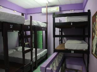 Anya Hostel guestroom junior suite