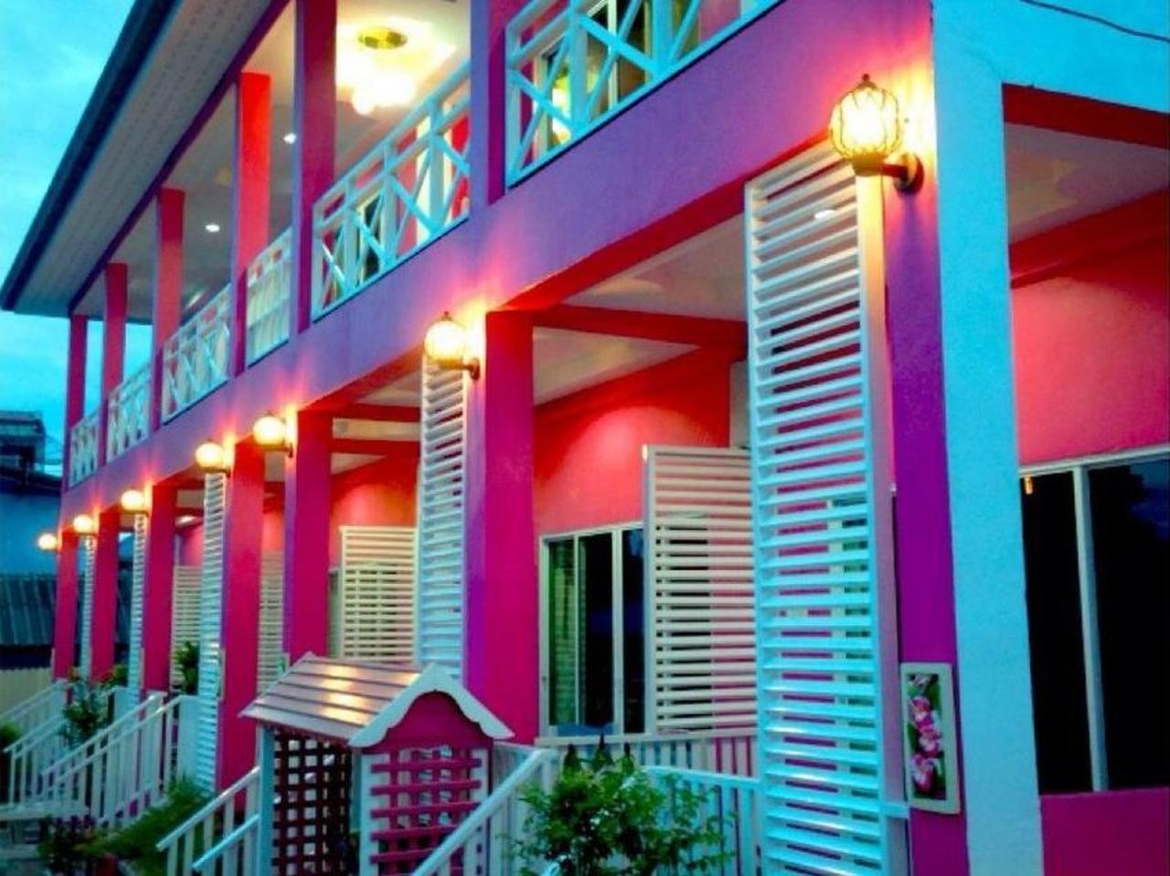 หมูแฮม แอท เกาะ ล้าน รีสอร์ท (Mooham at Koh Larn Resort)