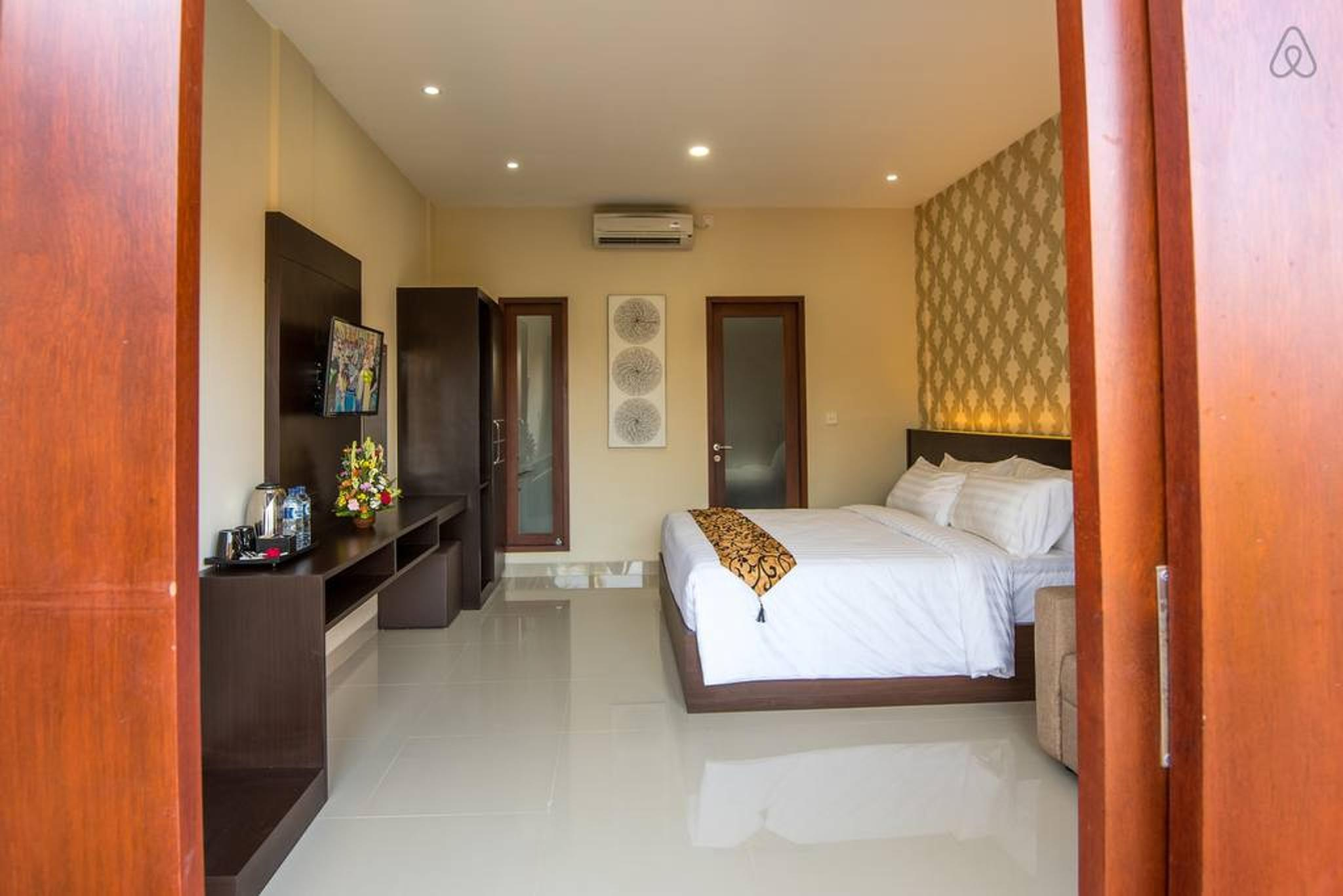#4 Charming Guest suite walking dist to the beach!