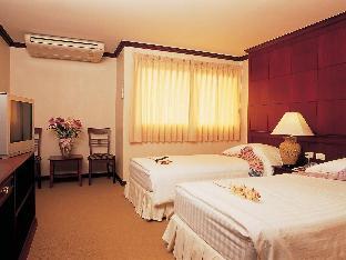 Faikid Hotel guestroom junior suite