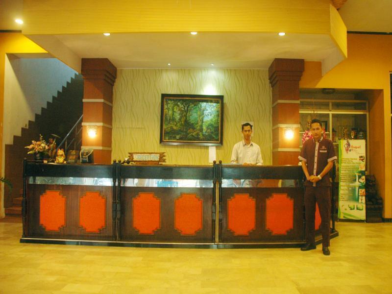 Hotel Hotel di Bandung Bandung Permai Hotel Jember