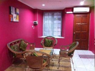Meow Guesthouse at Taman Sri Wangi Kuching - Hotellet indefra