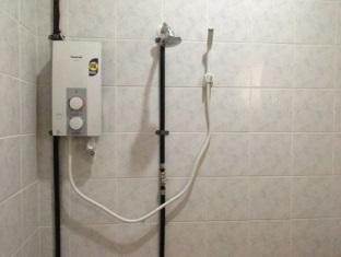 RD Guesthouse Matang Jaya Kuching - Bathroom