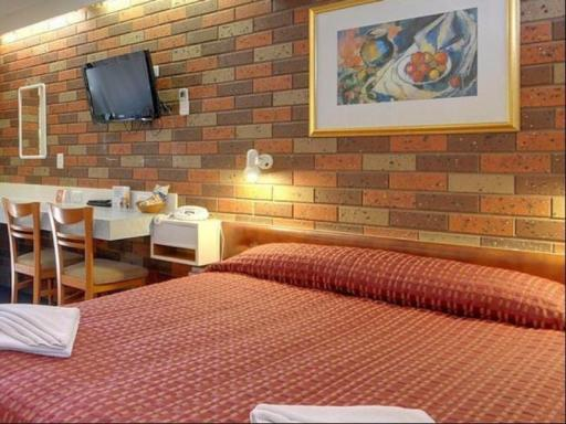 Comfort Inn Cedar Lodge hotel accepts paypal in Morwell