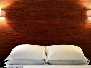 Lex NYC Hotel  guestroom junior suite