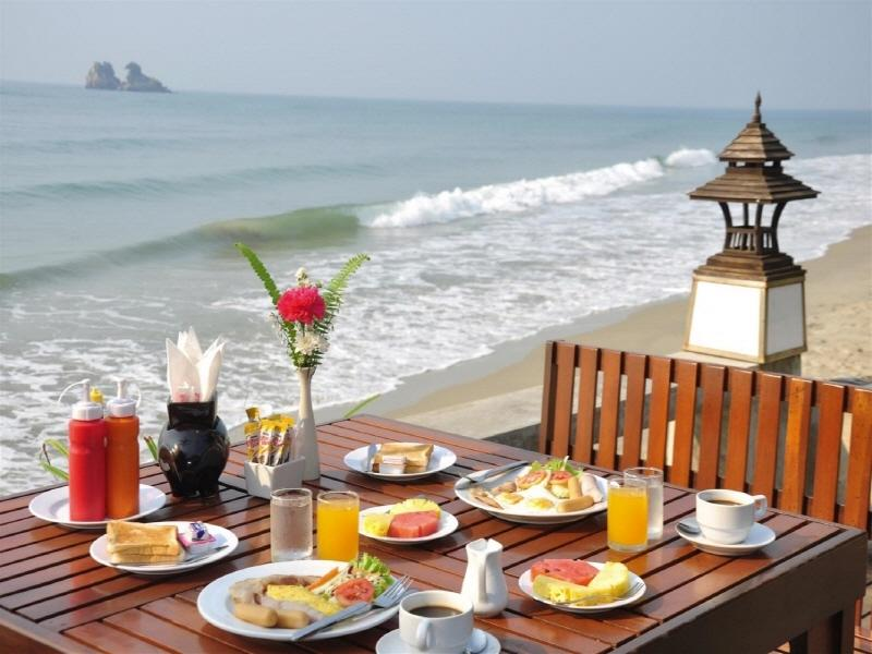 Lomtalay Chalet Resort,ลมทะเล ชาเลต์ รีสอร์ท