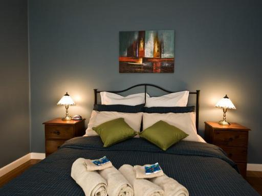 Port Lincoln Holiday Houses hotel accepts paypal in Port Lincoln