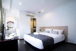 Interior Harbour Ville Hotel Hamilton - SG Clean Certified