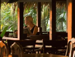 Mines Wellness Hotel Kuala Lumpur - Abdul & Charlie Restaurant